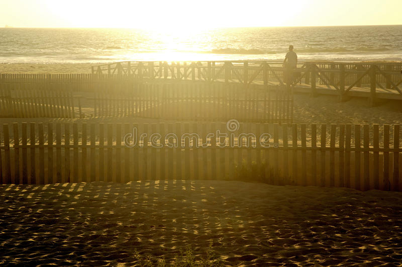Sunsire in spiaggia di Tarifa, Cadice Provine; Andalusia fotografie stock libere da diritti