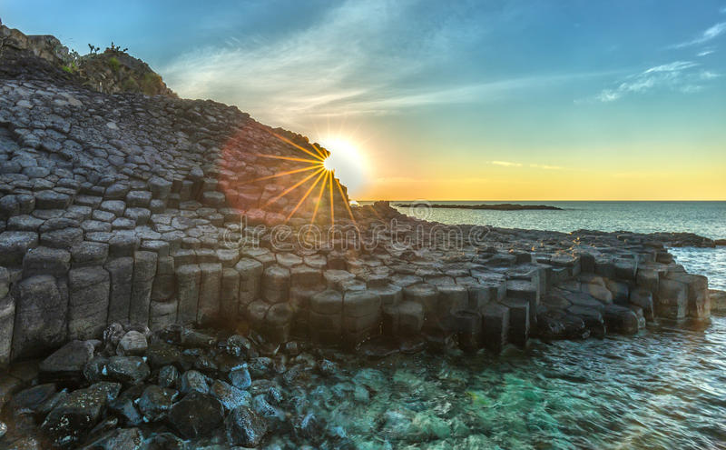 Sunstar на Dia Ganh Da, Вьетнаме стоковое изображение rf