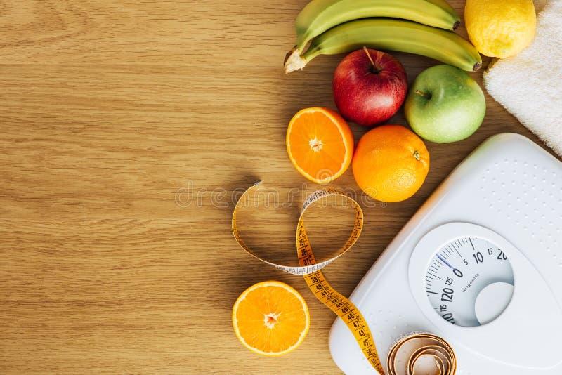 Sunt äta och viktförlustbegrepp royaltyfria foton