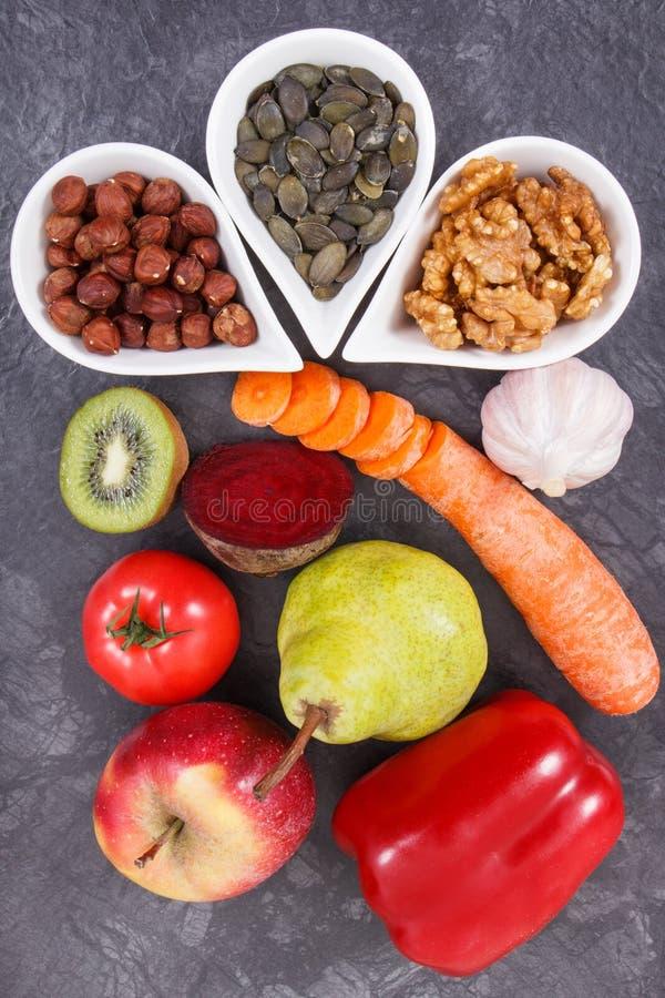 Sunt vitaminer och mineraler för äta innehållande Bästa mat för gikt och njurehälsa fotografering för bildbyråer