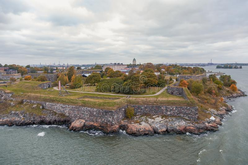 Suomenlinna-Festung im Herbst lizenzfreies stockbild
