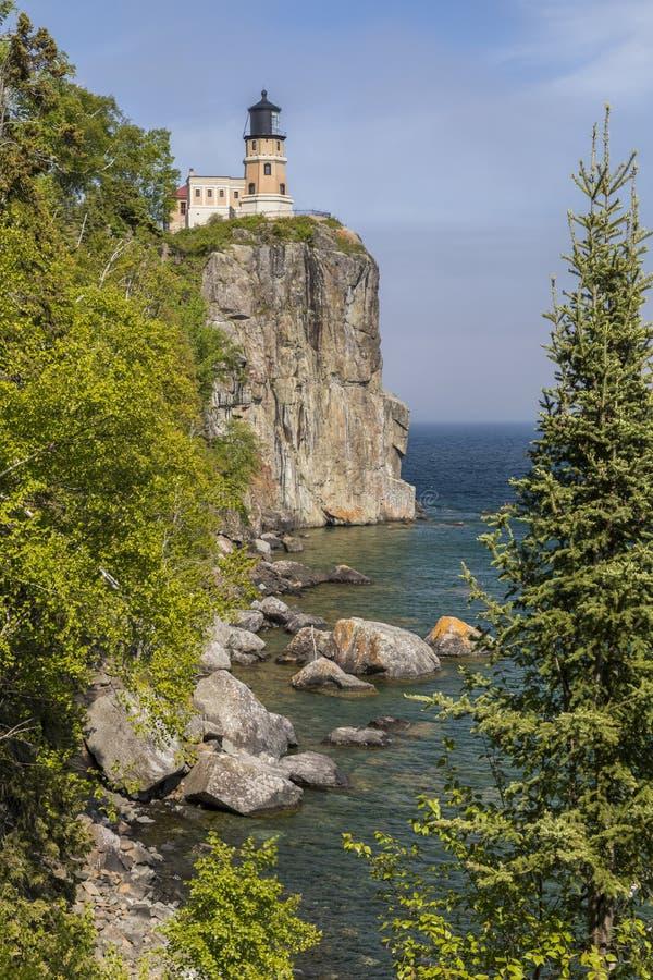supérieur fendu de roche de phare de lac images stock
