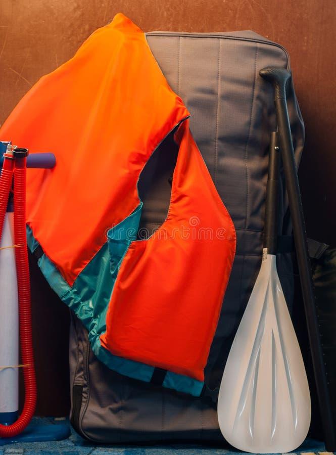 SUP set dla wodnych aktywność, SUP deska jeśli, obraz royalty free