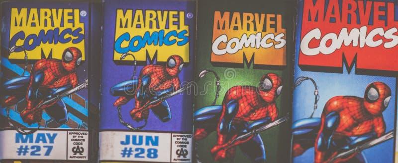 Super héroe del logotipo de los tebeos de la maravilla de Spider-Man en la acción imagenes de archivo