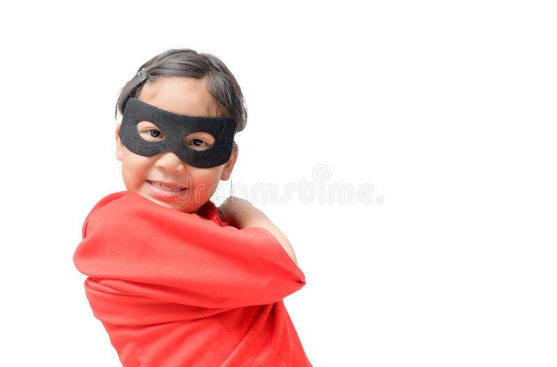 Super héros de jeux de petit enfant d'isolement image libre de droits