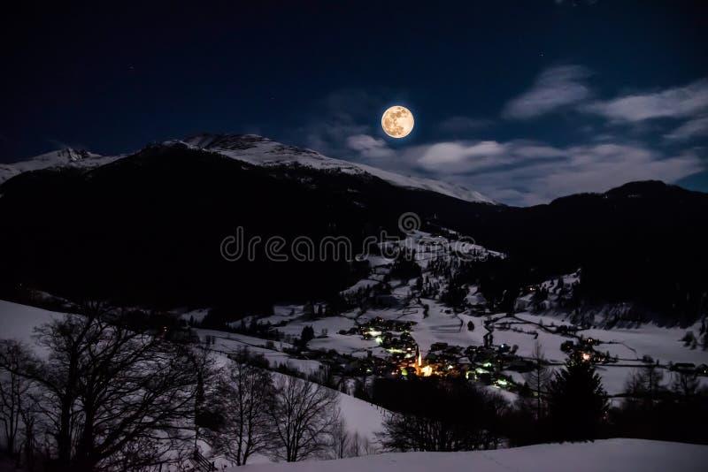 Super księżyc w Lessach obraz stock