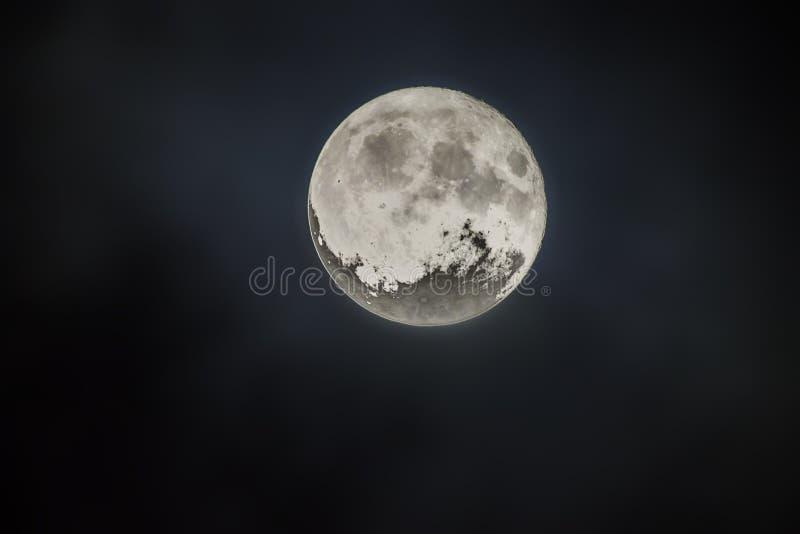 Super Maan op Nachthemel stock afbeeldingen
