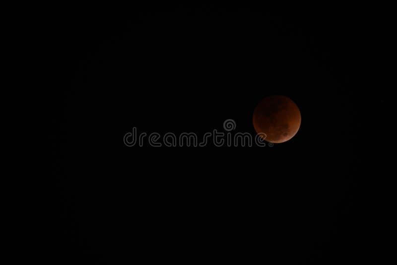 Super Mond und Mondfinsternis des blauen Bluts stockbilder