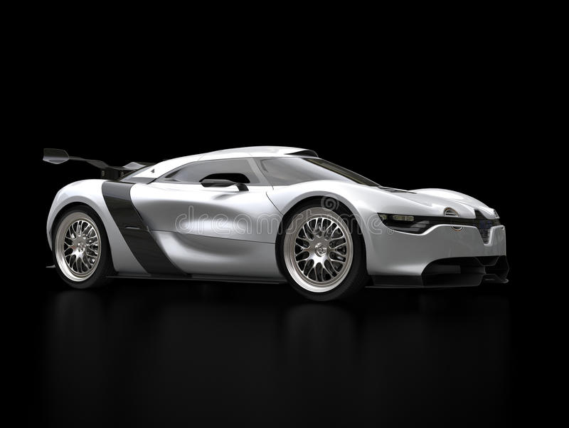 Super samochód w czarnej sala wystawowej - kruszcowy płatka srebra kolor ilustracji
