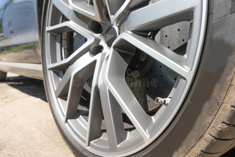 Super samochodowy dyska hamulec 3d ikony sporta samochodowi koła Stalowego aliażu dysków tła samochodowy szablon dla projekt prac obraz stock