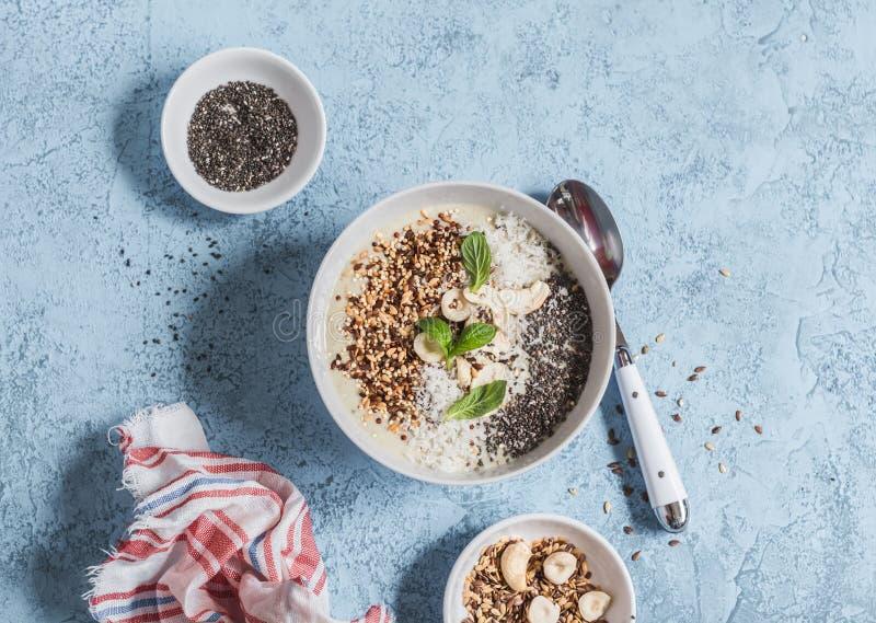 Super voedsel smoothie kom Gezond Ontbijt stock afbeeldingen