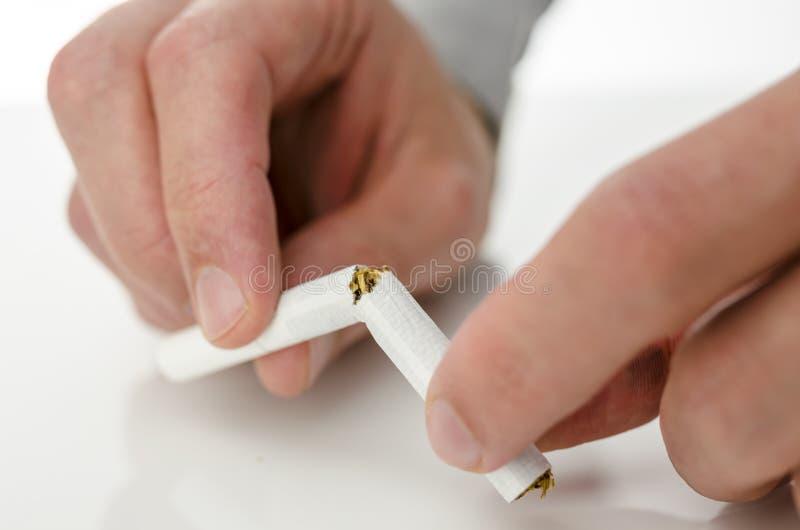 Superamento della dipendenza di fumo immagine stock