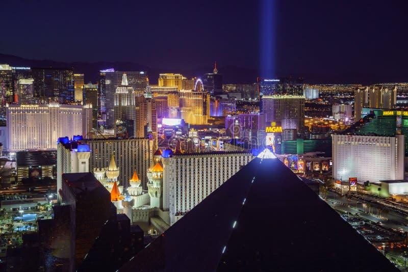 Superb flyg- sikt av remsan, Las Vegas och kasino royaltyfri foto