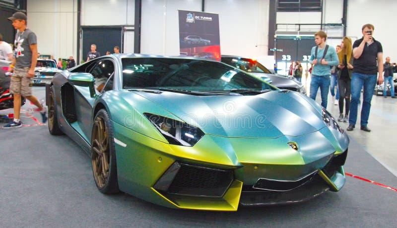Supercar italien de luxe au salon de l'Auto royal images libres de droits