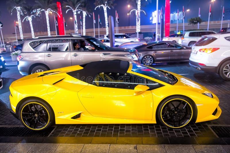 Supercar Lamborghini huricane黄色颜色 免版税库存照片