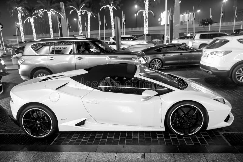 Supercar Lamborghini huricane黄色颜色 免版税图库摄影