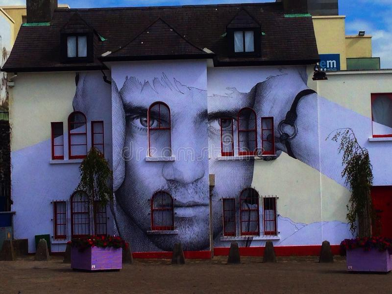 Supercool e streetart em Galway, Irlanda fotos de stock royalty free