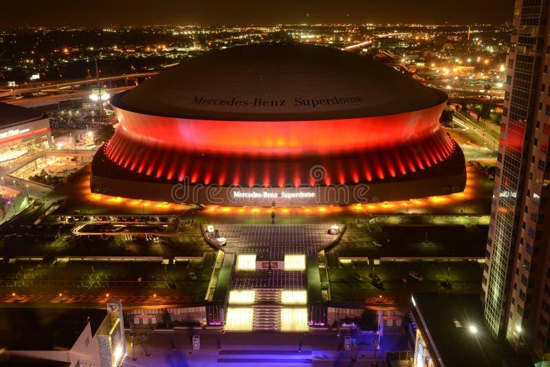Superdome на ноче стоковая фотография