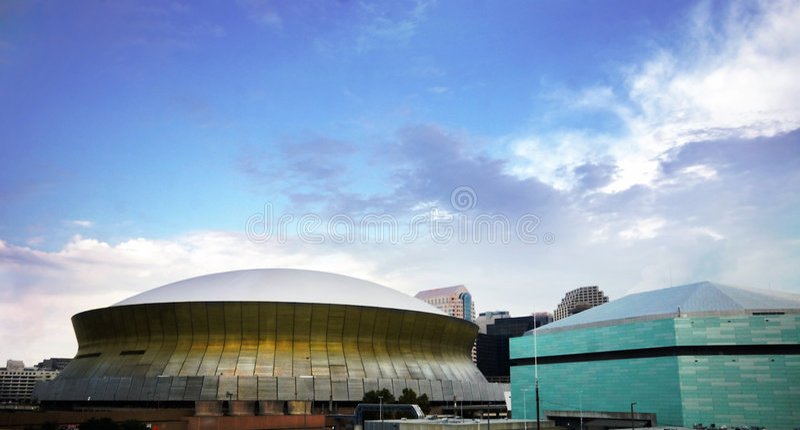 Superdome en Arena royalty-vrije stock afbeeldingen