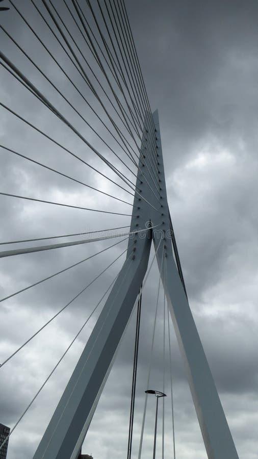 Superestructura de Erasmus Bridge en Rotterdam, los Países Bajos fotos de archivo libres de regalías