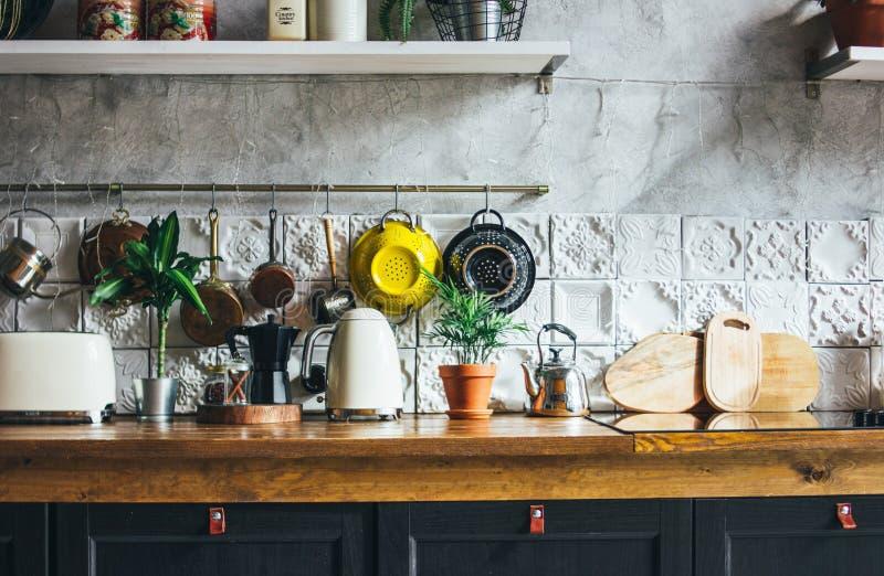 Superfície de trabalho da cozinha, elementos interiores, estilo rústico escandinavo imagem de stock
