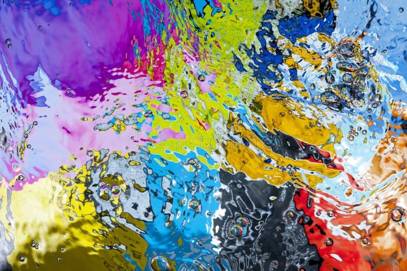 Superficie coloreada del agua fotografía de archivo libre de regalías