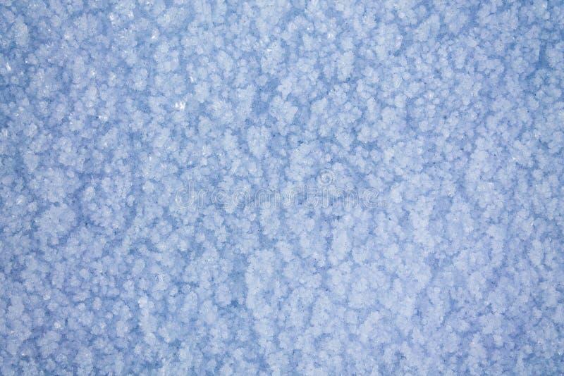 Superficie congelada cubierta con nieve fotografía de archivo