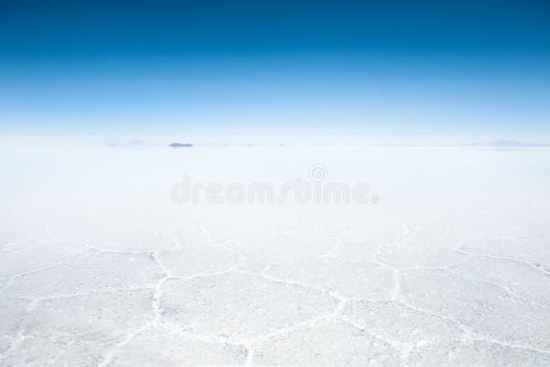 Superficie de la sal del plano de la sal de Salar de Uyuni, Bolivia foto de archivo libre de regalías