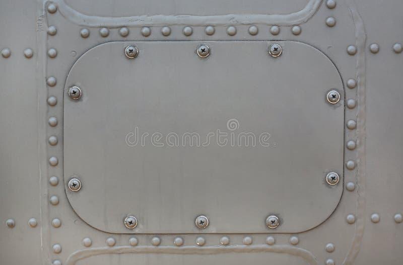 Superficie de metal de acorazado militar con la cubierta foto de archivo libre de regalías