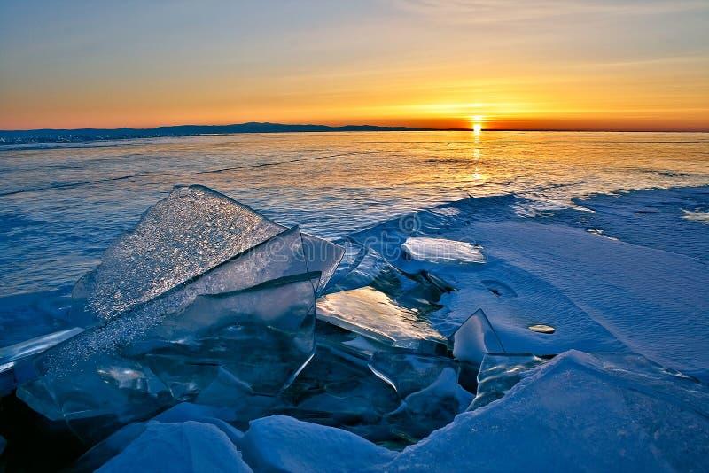 Superficie del lago Baikal en invierno fotos de archivo libres de regalías