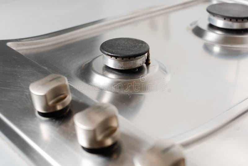 Superficie limpia y aseada de la estufa de gas imagen de archivo libre de regalías