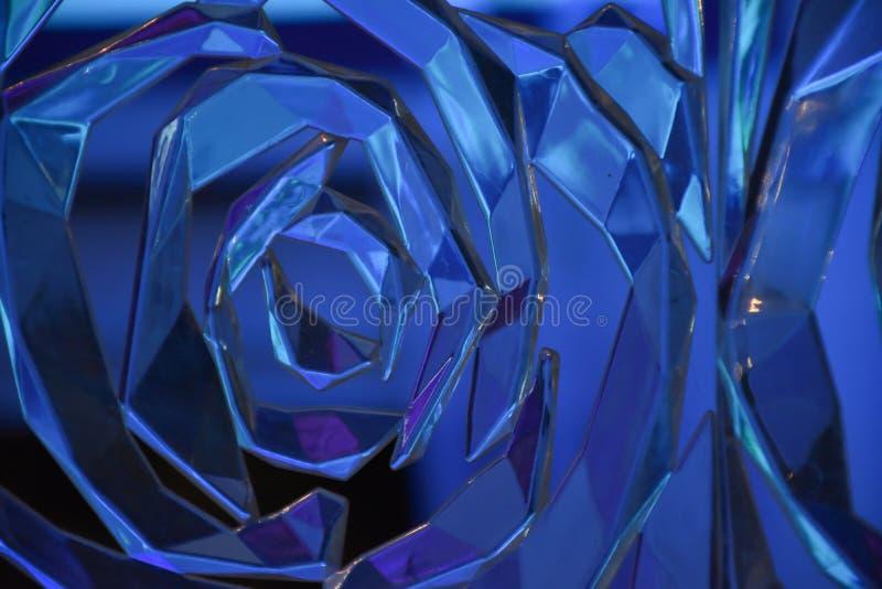 Superficie tallada reflexiva espiral de cristal fotografía de archivo