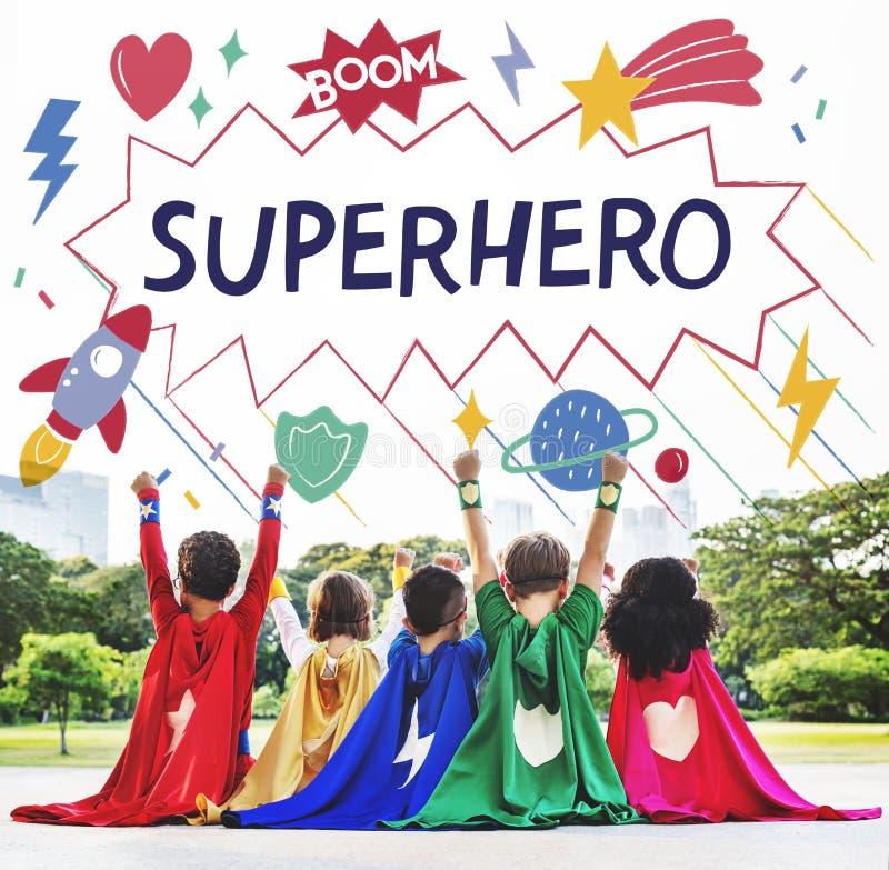 Superheld scherzt Fantasie-Energie-Helfer-Konzept lizenzfreie stockfotos