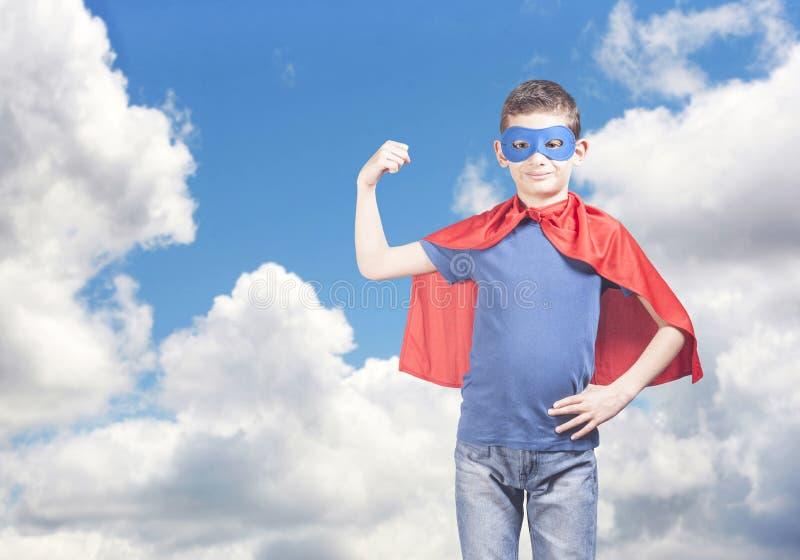 Superherounge Framgång- och förtroendebegrepp arkivfoton