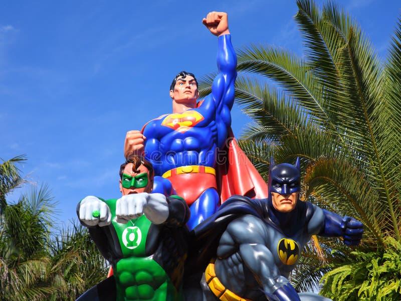 Superhombre, linterna verde y Batman