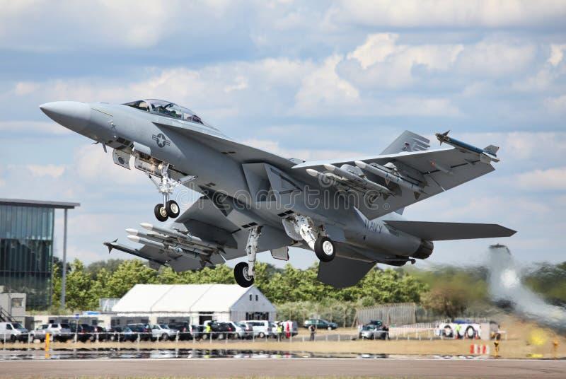 Superhornisse F-18 lizenzfreie stockfotografie