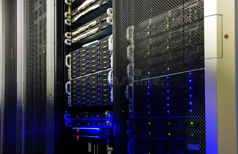 Superkomputeru przechowywanie na dysku w dane centrum zdjęcia royalty free