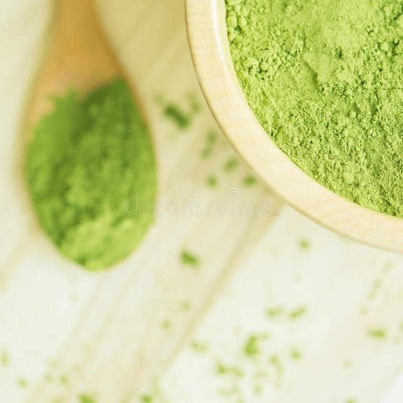 Superlebensmittel Moringa-Grünpulver lizenzfreies stockbild