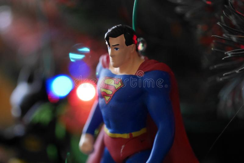 Supermann-Weihnachtsbaumschmuck, herauf nahes und persönliches stockbild