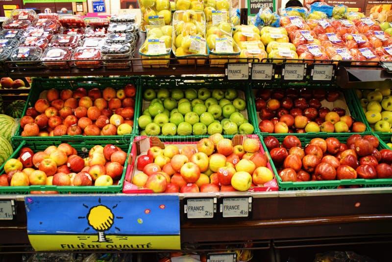 Supermarché français de pommes image libre de droits