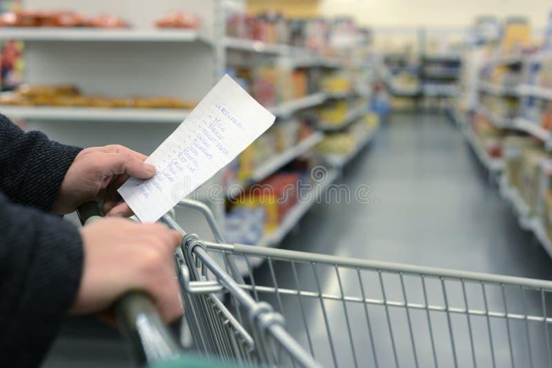Supermarketa wózek na zakupy obrazy royalty free