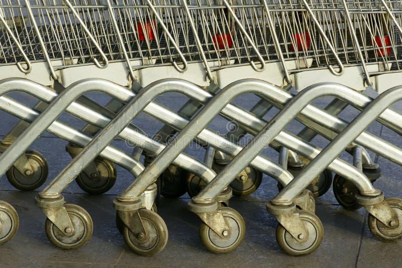 supermarkettrolleys royaltyfri fotografi