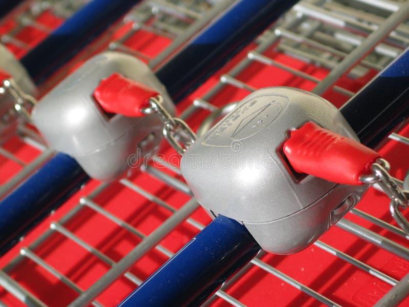 Supermarkt-Laufkatze lizenzfreie stockfotos