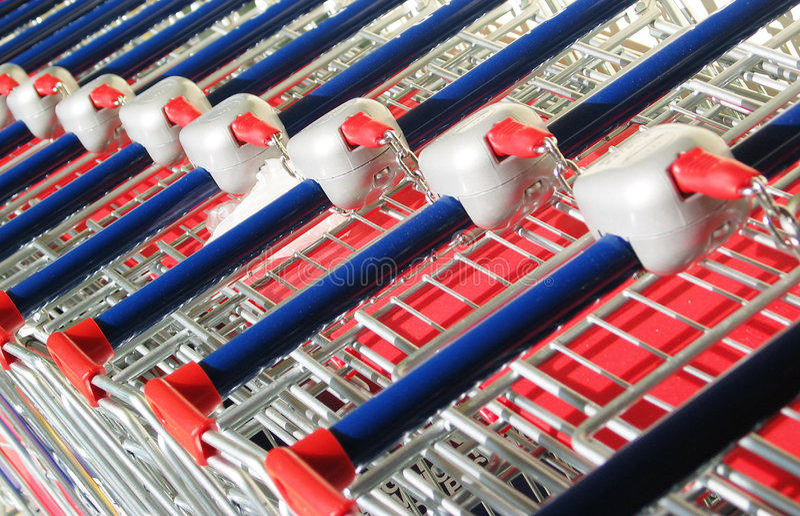 Supermarkt-Laufkatze lizenzfreie stockbilder