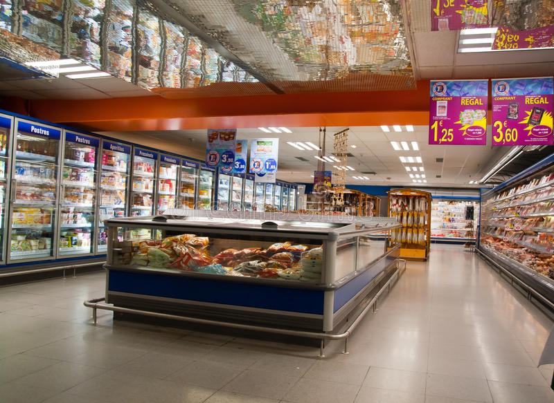 Supermarkt ohne Steuer in Andorra stockfotos