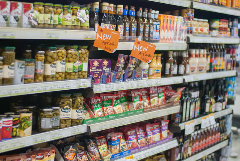 Supermarktgang lizenzfreie stockfotografie