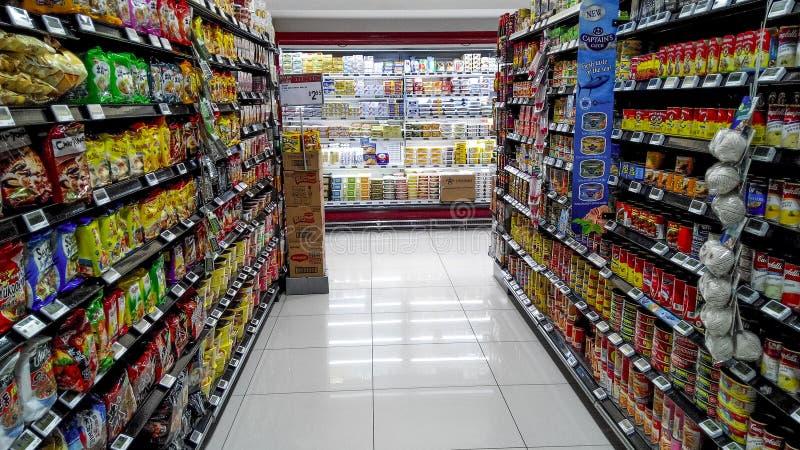 Supermarktplanken royalty-vrije stock foto