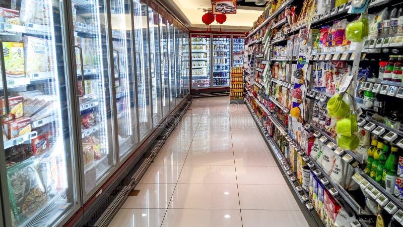 Supermarktplanken stock afbeelding