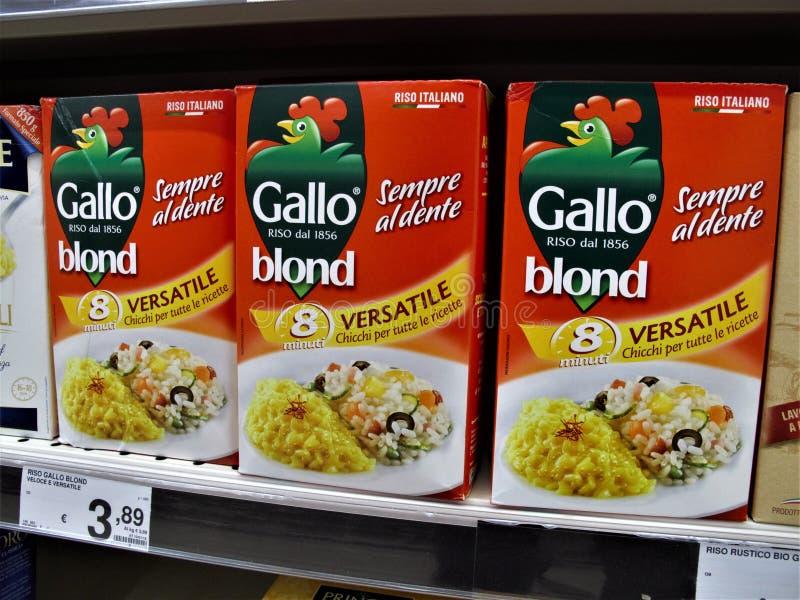 Supermercado de Auchan en Roma fotos de archivo libres de regalías