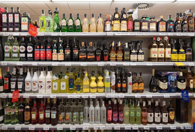 Supermercado del alcohol y del liqour foto de archivo